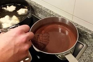 Mezclando el chocolate