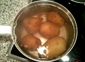 Cociendo las patatas