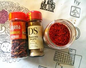 Guindillas, pimienta negra y pimiento choricero