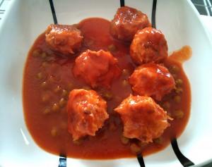 Con salsa de tomate y guisantes también están muy ricas!