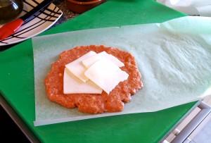 Ponemos trozos de queso