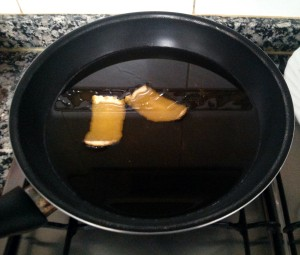 Aceite para freír con cortezas de naranja