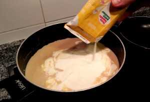 Añadimos la nata de cocina